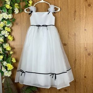 EDÉN PRINCESS BRIDAL DREESS FOR GIRL SIZE 4